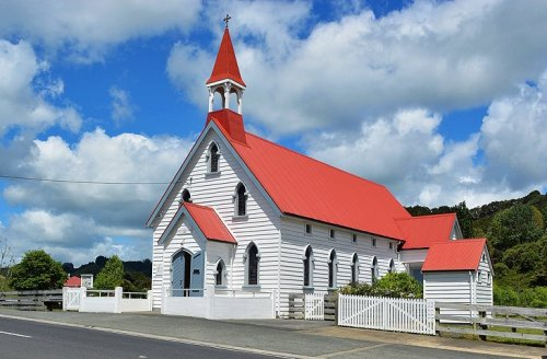 Puhoi historc Village and cheese factory - 25 minutes drive